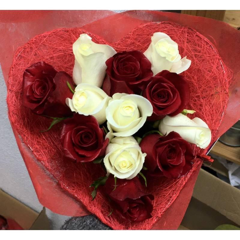 Corazon De Rosas Blancas Y Rojas Floresnuevas Com