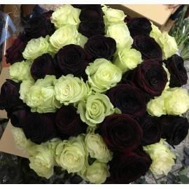 Rosas negras y blancas