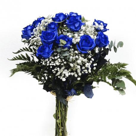 Ramo de rosas azules